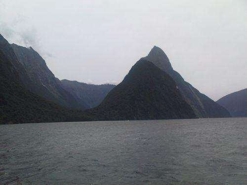 Milford Sound (Neuseeland_DSC03304.JPG) wird geladen. Work and Travel Australia..