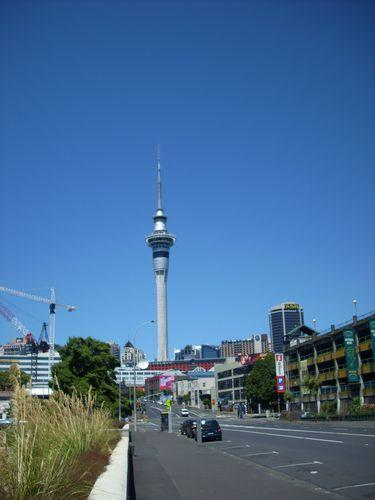 Streets in Aukland (Neuseeland_DSCI1152.JPG) wird geladen. Work and Travel Australia..